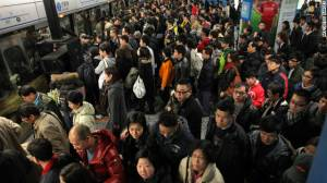hong-kong-crowded-mtr-story-top2